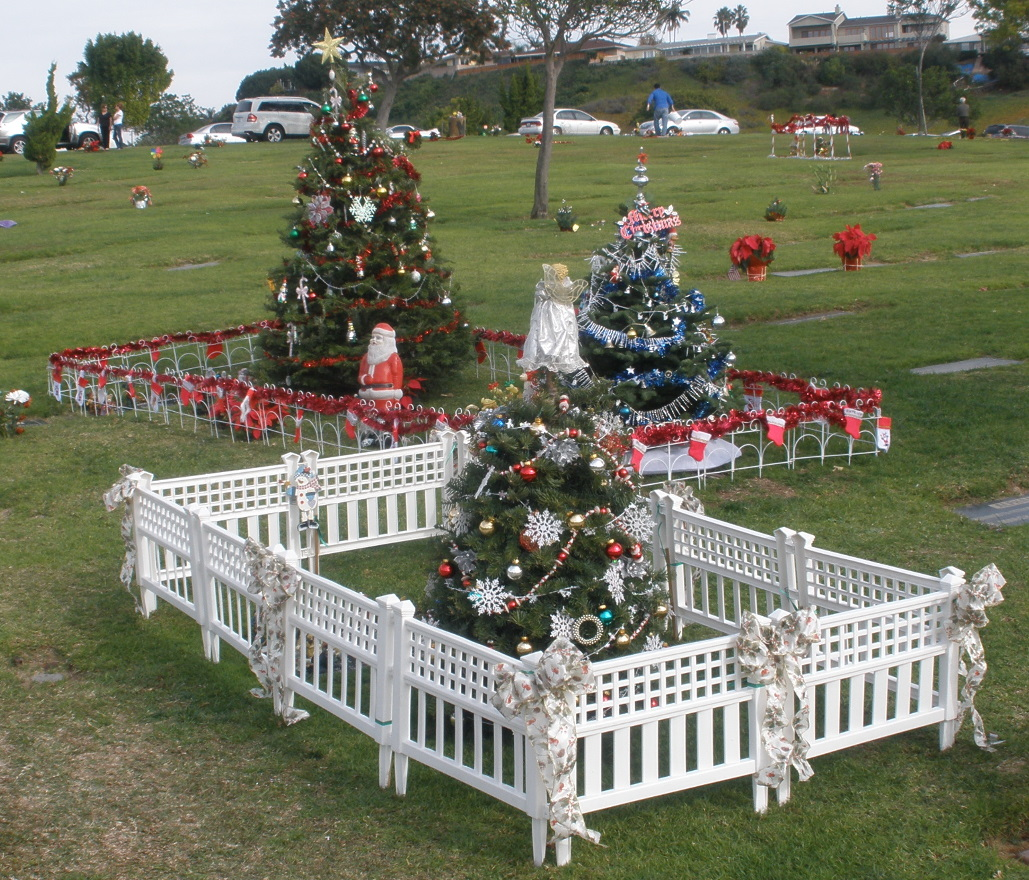 hollywood remains to be seen - Christmas Grave Decorations